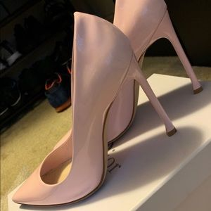 Christian Dior pink stiletto shoes